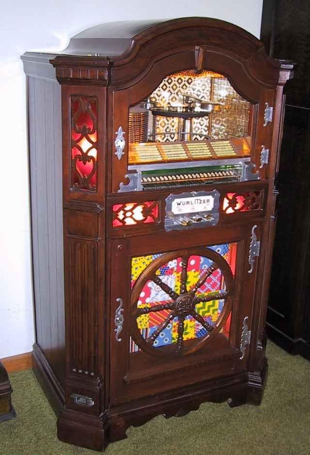 Wurlitzer Model 1015 jukebox from c. 1950   Jukebox ...