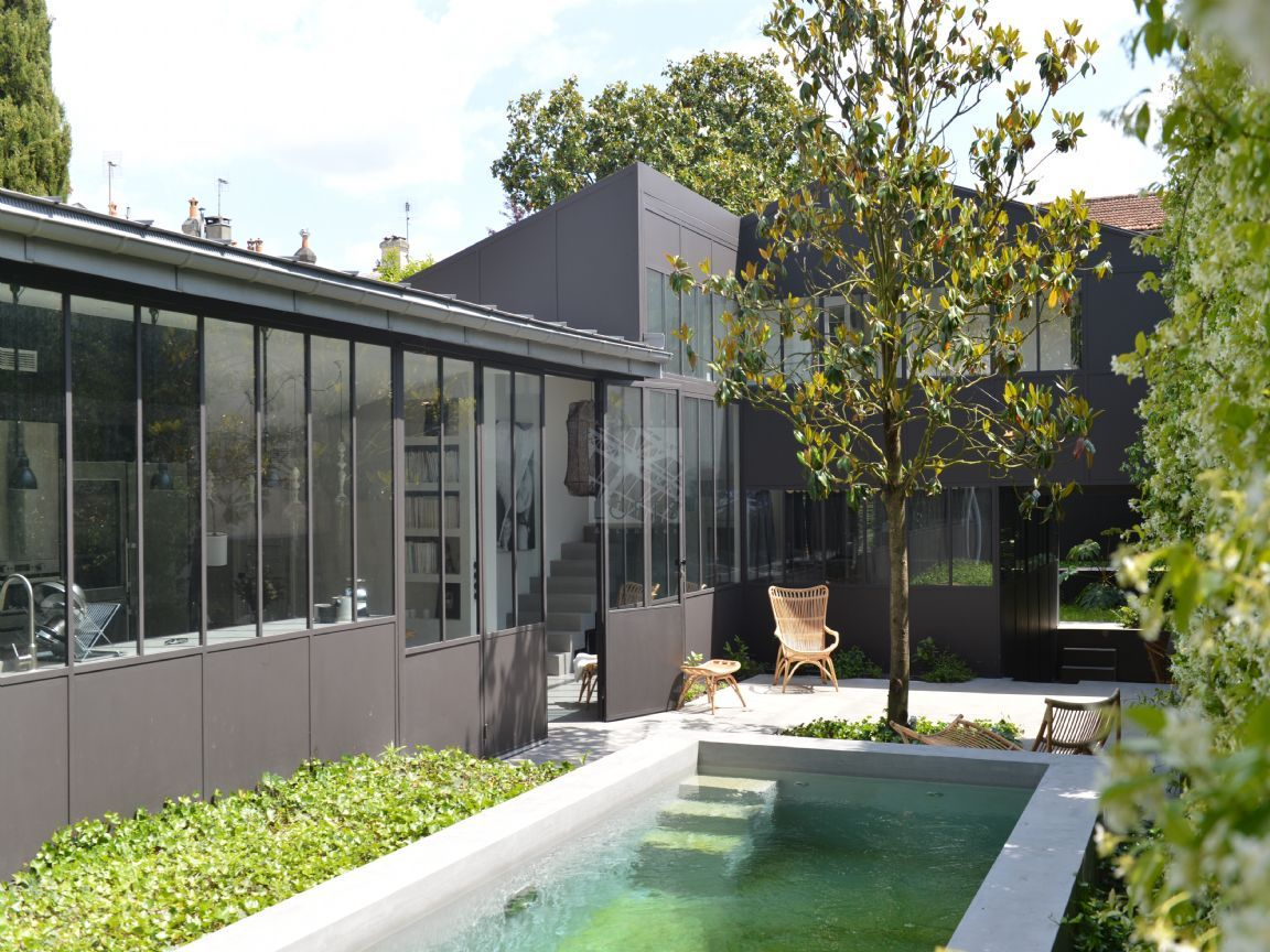 maison de ville avec jardin et piscine patio garden. Black Bedroom Furniture Sets. Home Design Ideas