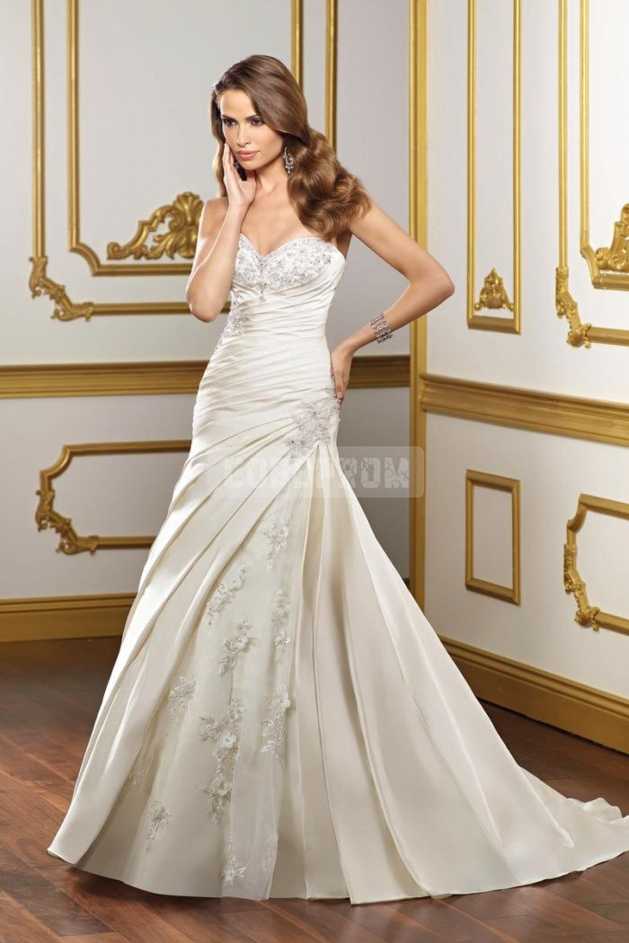 Sweetheart A-line Taffeta Applique Ruched Wedding Dress