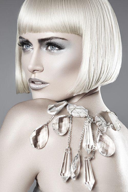 Silver lips - Make-up inspiration