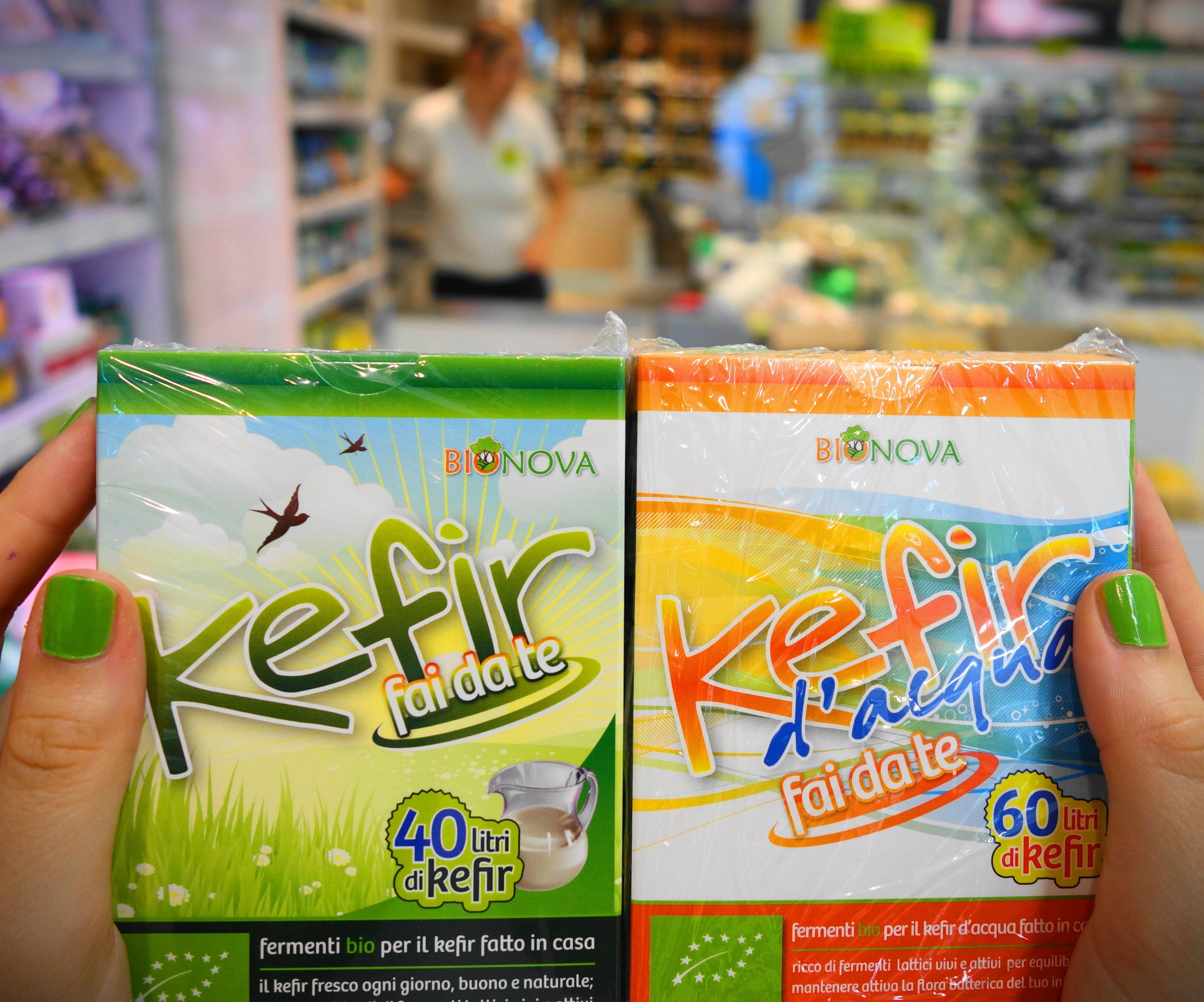 Il Kefir è una miniera di elementi salutari per il nostro organismo: probiotici, minerali, aminoacidi, vitamine. Con i preparati Bionova è facile prepararlo anche in casa, partendo da latte, bevande vegetali o semplicemente acqua.