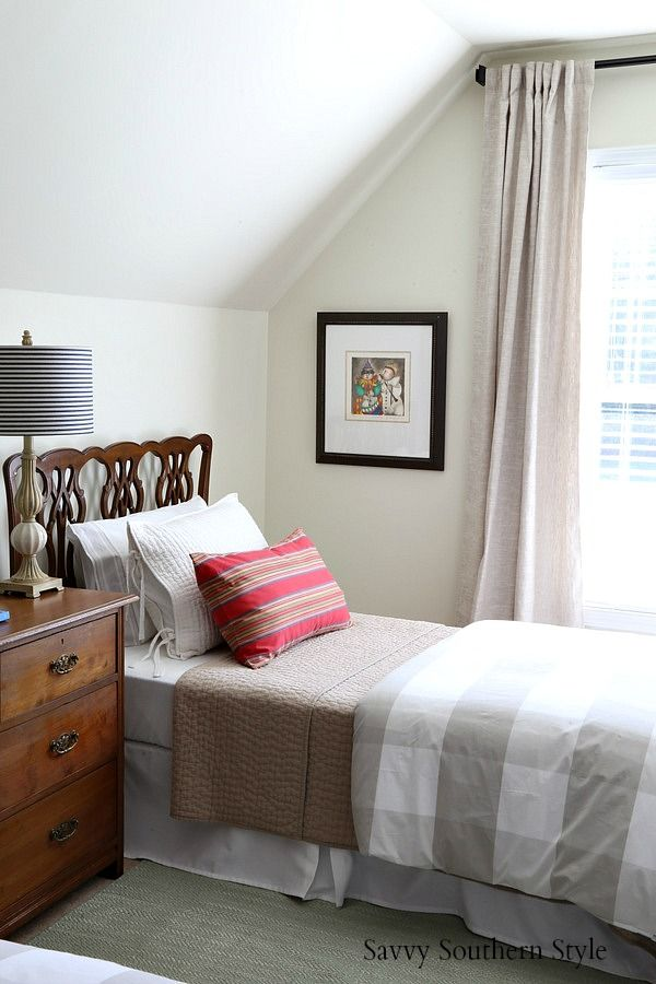 Savvy southern style the new bonus room guest space with twin beds bedroomdecor twinbeds guestroomideas antiques also home bloggers rh pinterest
