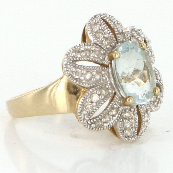 Vintage 10 Karat White Gold Diamond Aquamarine Cocktail Flower Ring Estate Jewelry