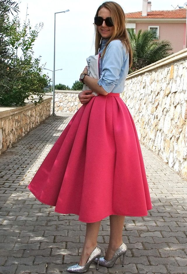 25 Trendy Midi Skirts Outfits #fullskirtoutfit
