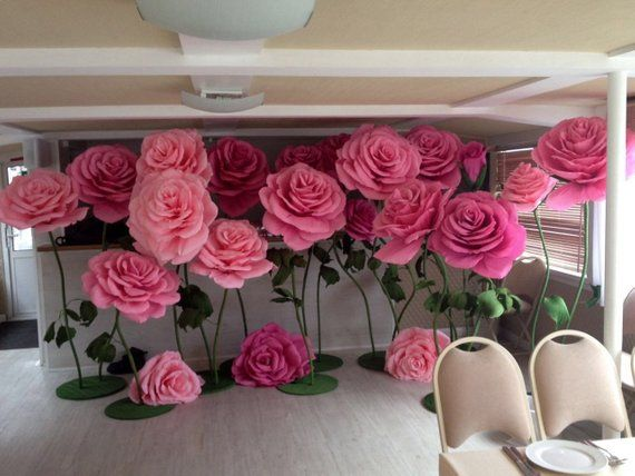 Large paper flowers. Giant paper flowers. Paper flowers on the stem. Paper rose. Large paper flowers for wedding decoration #largepaperflowers