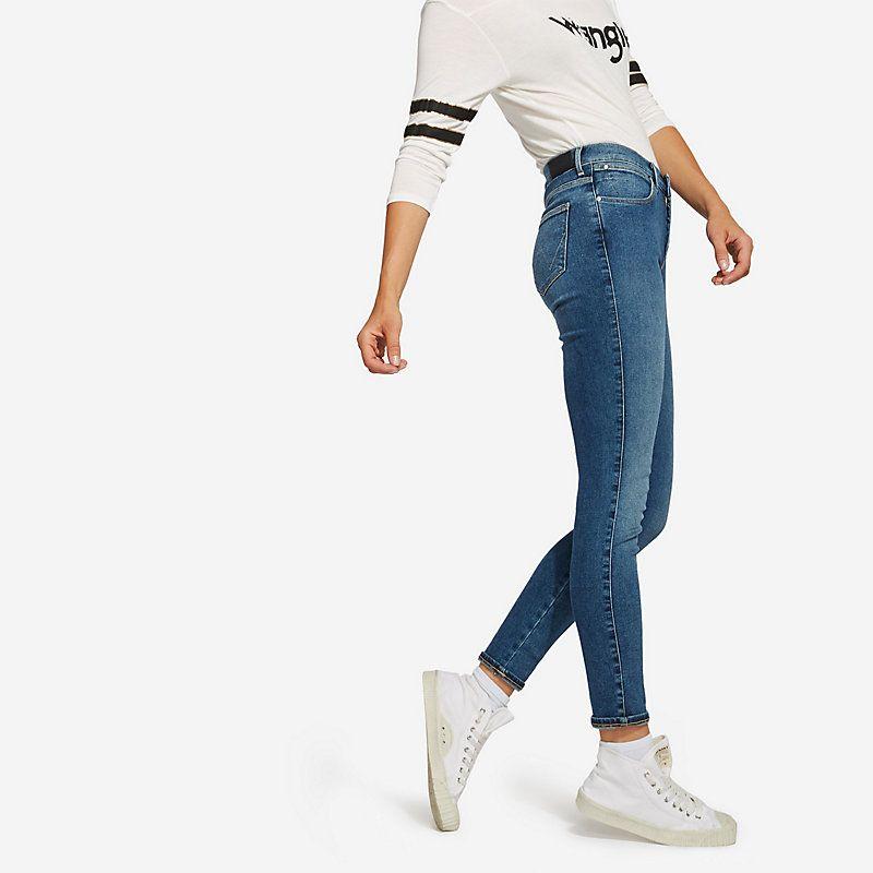 Wrangler Women s Born Ready High Rise Skinny Jeans (Size  28 x 32) Blue 2cd90a3d7