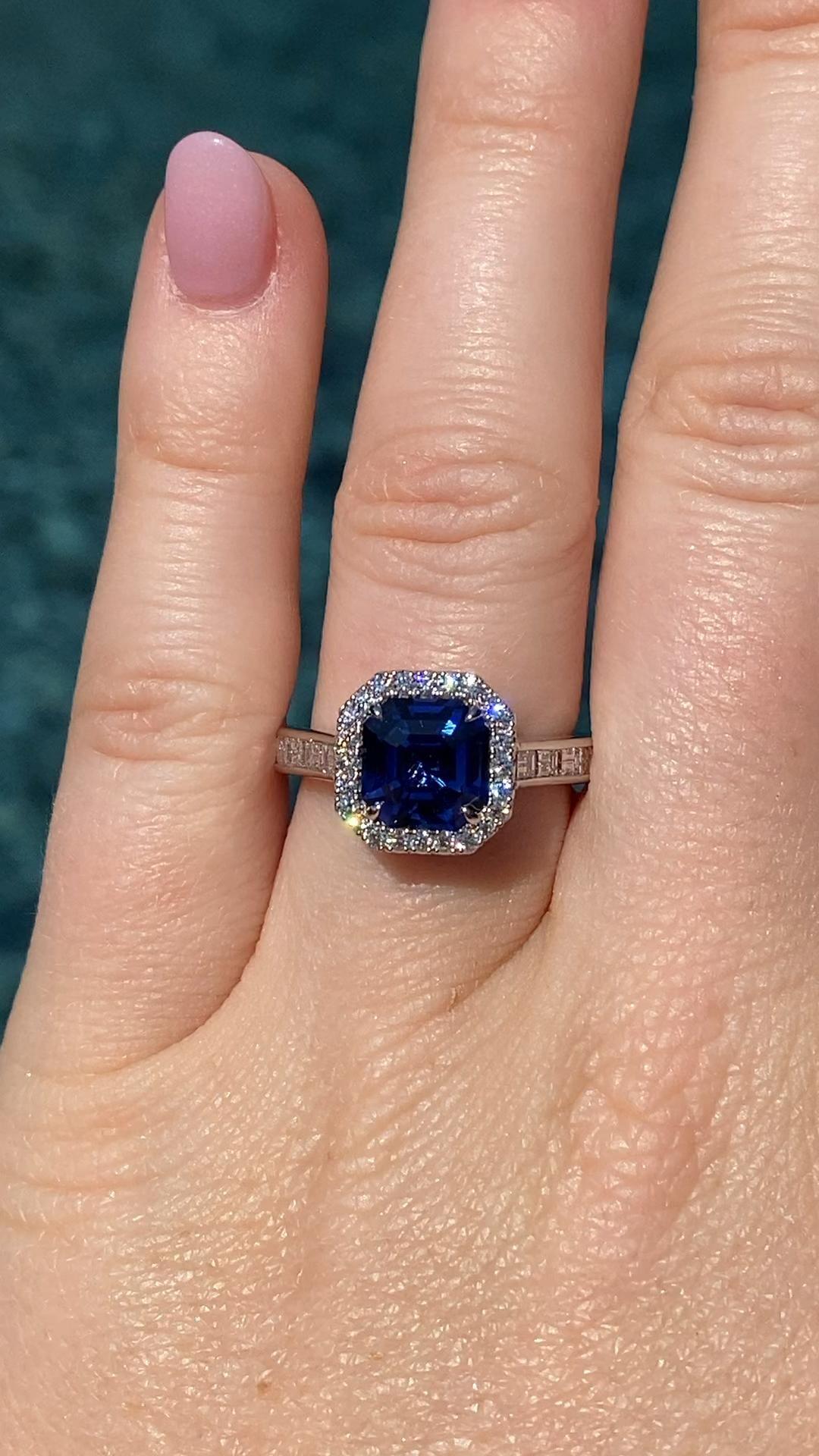 Genuine Montana Sapphire Color Change Pale Blue Green to Pink Purple Princess cut Pendant in 14 karat Yellow Gold