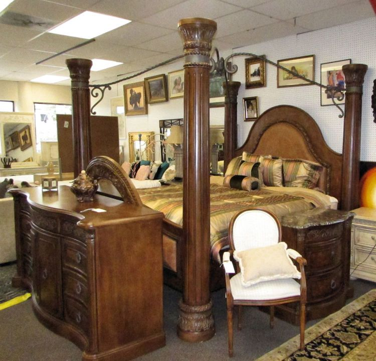 Collezione Europa 6 Piece King Bedroom Set With 4 Poster Leather