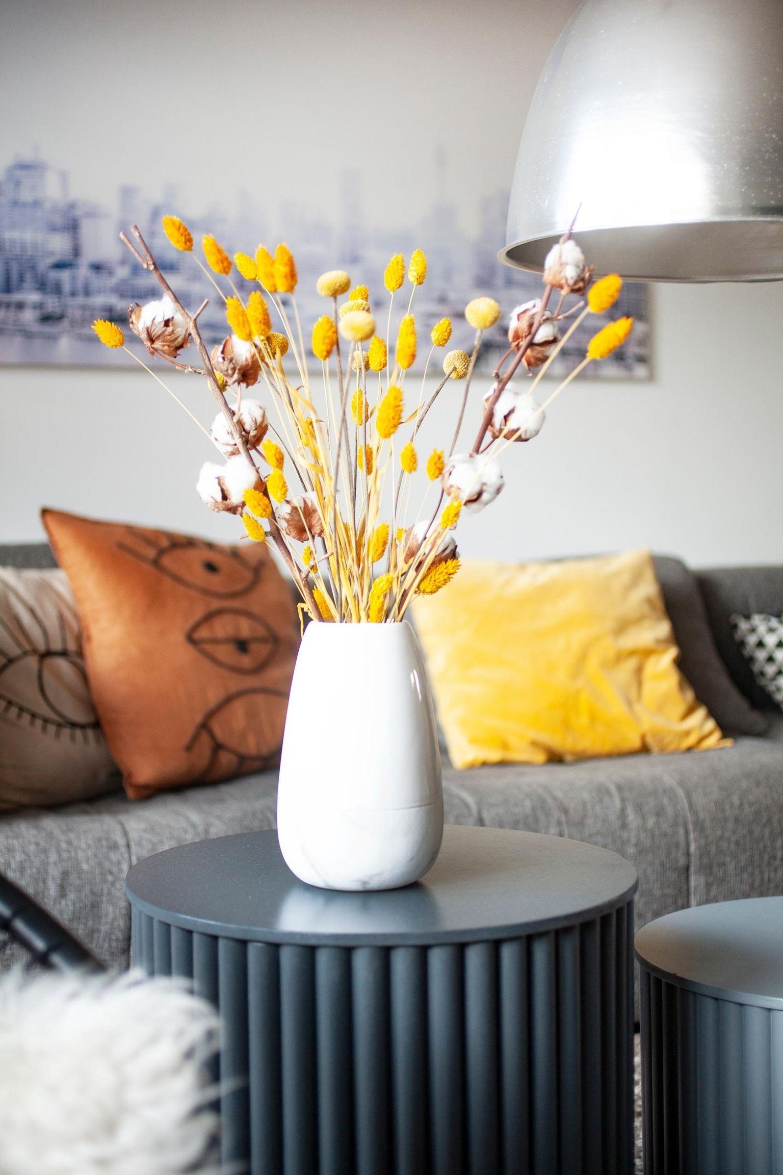 Wenn Die Sonne Nicht Kommt Wohnzimmer Couchti Couchtisch Trockenblumen Wohnen