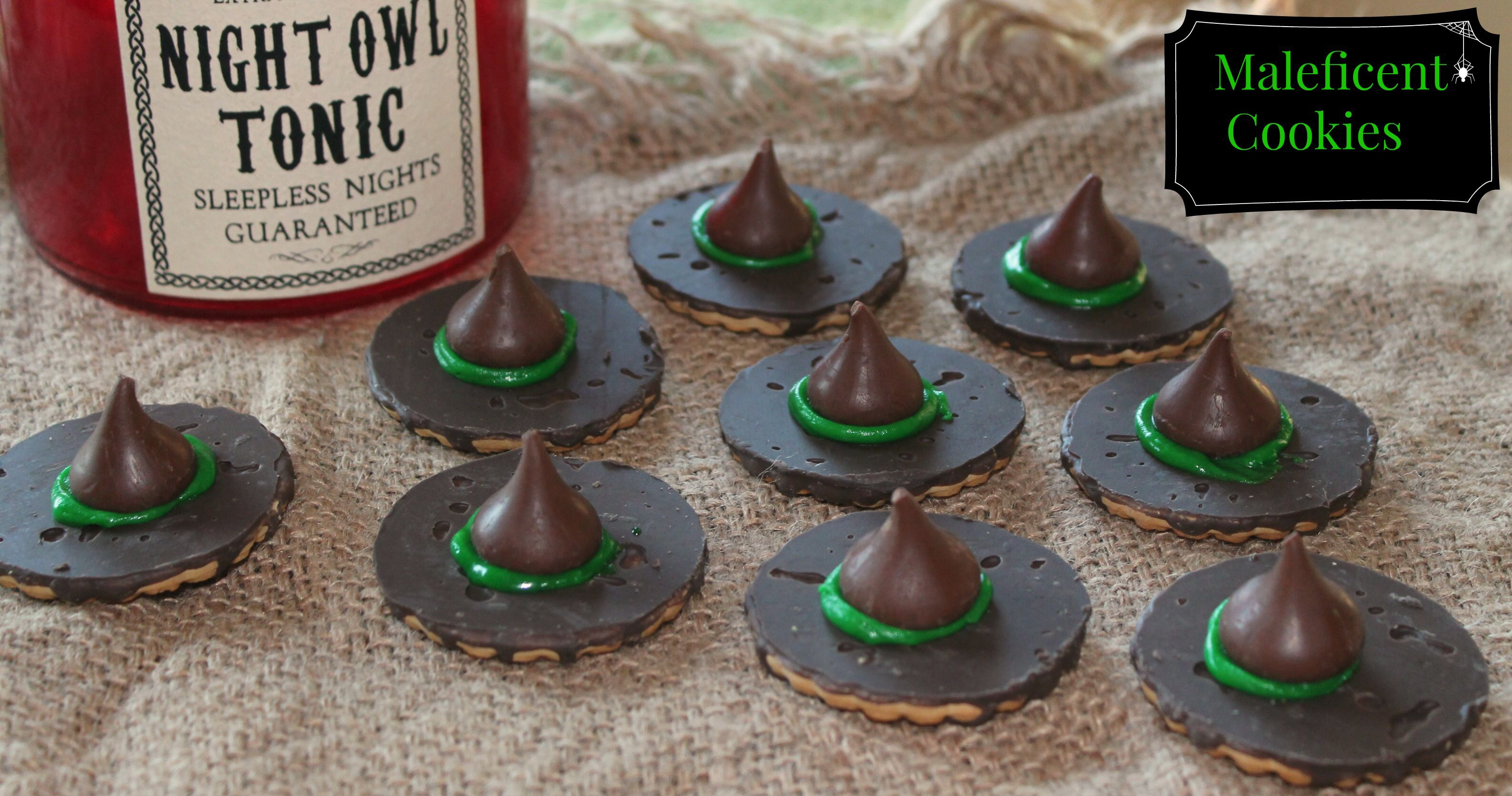 Image from http://www.simplysouthernmom.com/wp-content/uploads/2014/11/Maleficent-Cookies-.jpg.
