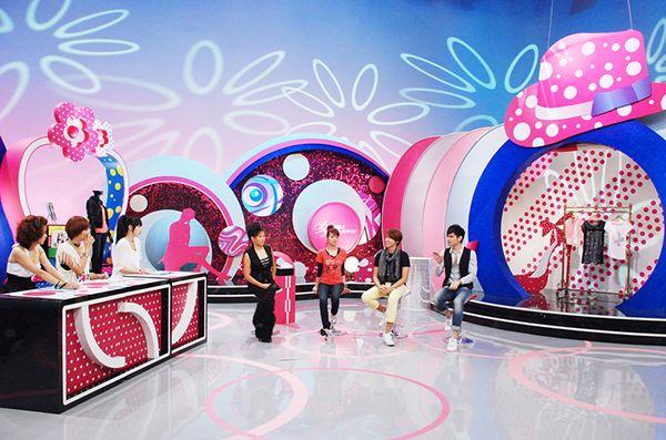 電視節目場景設計TV programs set design on Behance   Tv set design ...