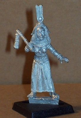 Cleopatra-Egyptian-Queen-28mm-Dark-Fable-Miniatures-UNPAINTED-Kev-Adams
