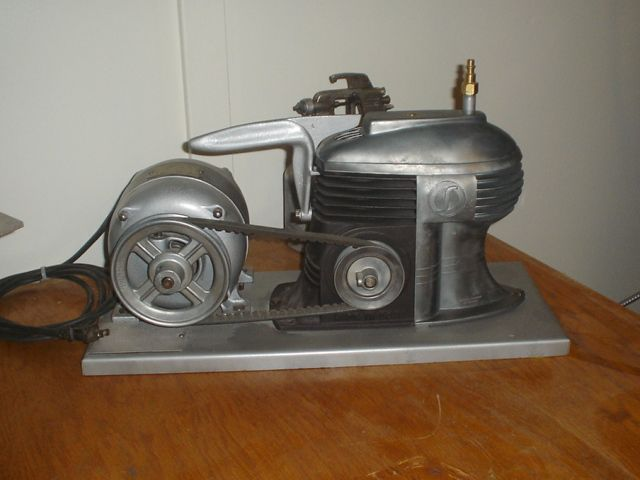 SPEEDY AIR COMPRESSOR FROM THE 1940\'s. THE ART DECO DESIGN IS ...