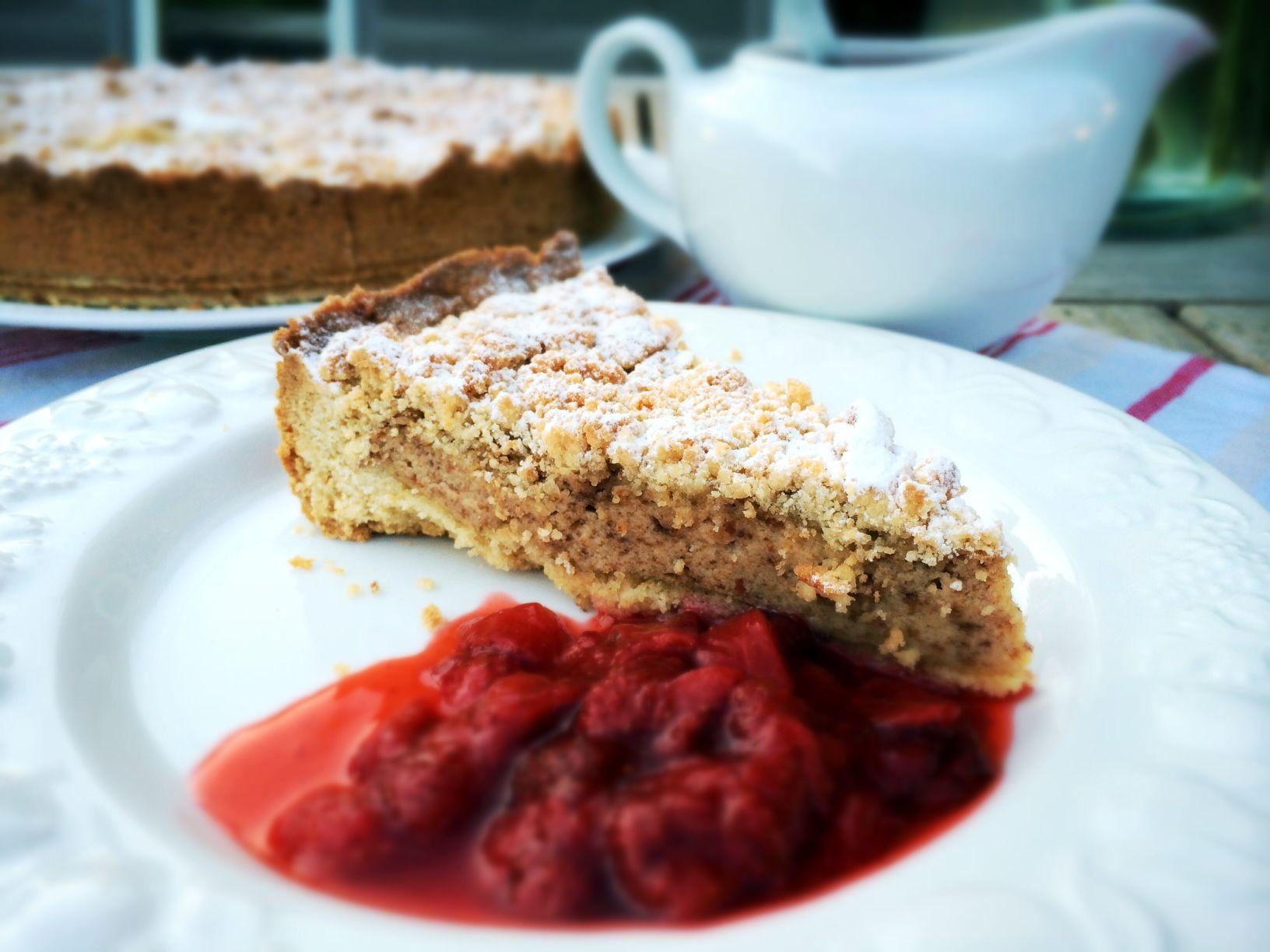 #Ricotta and #Amaretti tarte with a fresh summery #strawberry sauce