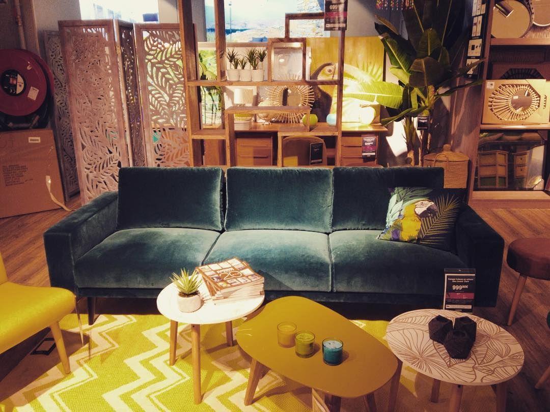 Nice blue velvet sofa @ Maisons du Monde Paris #sofa #velvet #furniture #deco #decoration #design #home #homedesign #homedecoration #interior #interiordesign #interiordecoration #inspiration #maisonsdumonde #paris #cocoon_spirit by cocoon_spirit