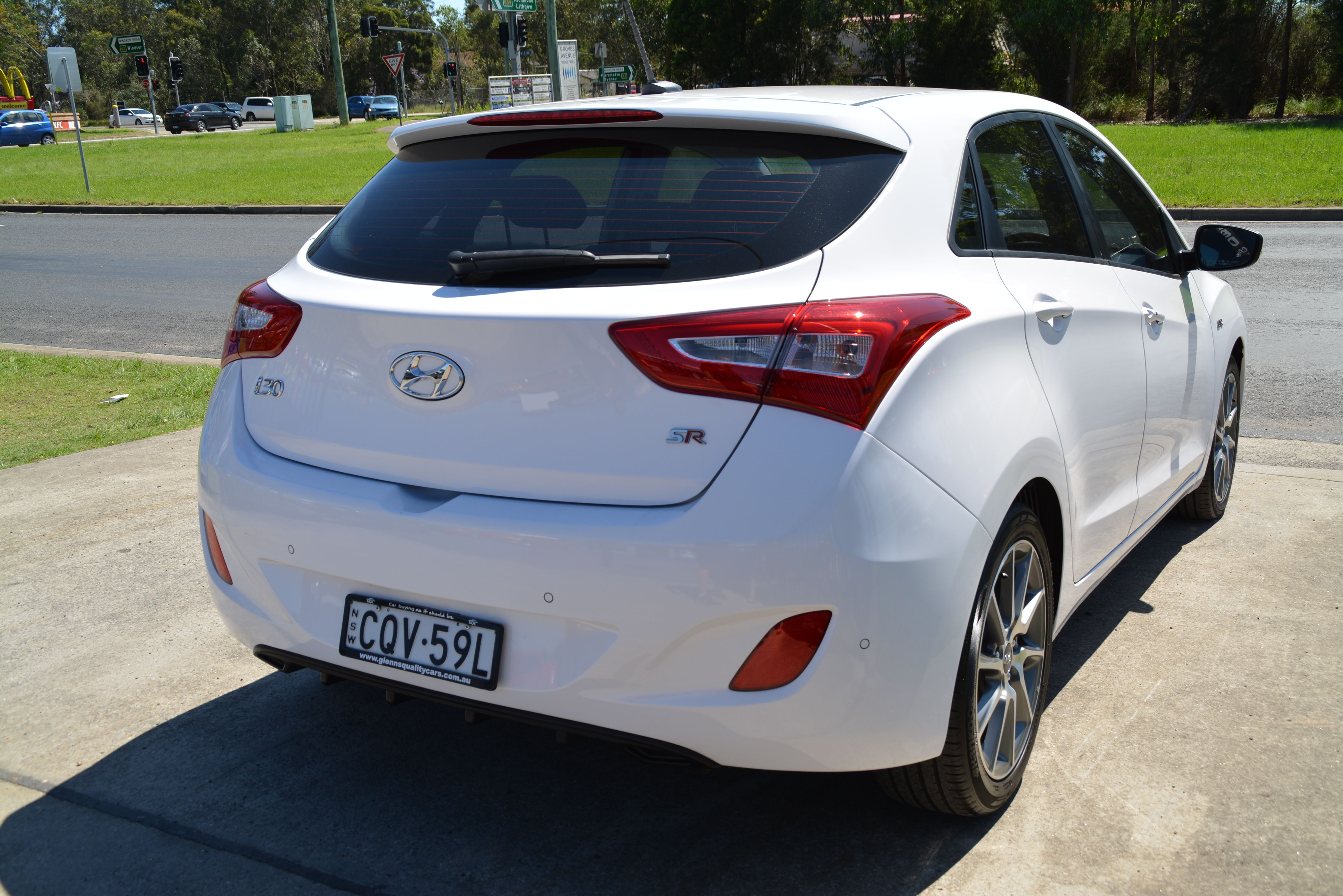 2013 Hyundai i30 SR Hatchback $19 999 3 Groves