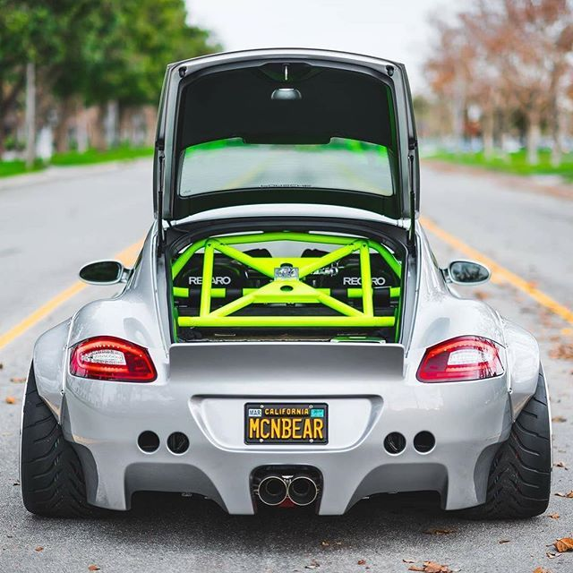 It's Electric⚡️ #ItsWhiteNoise #Pandem #Porsche @mascunanabear
