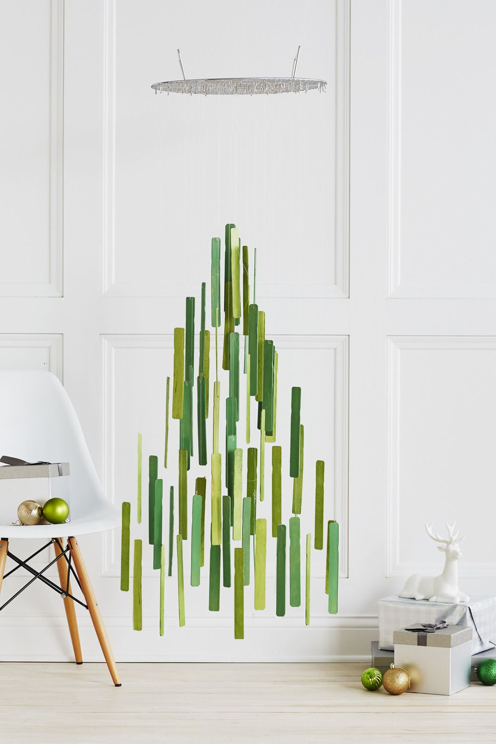 How to: Make a Stylish Hanging Christmas Tree Mobile | Holiday Ideas ...