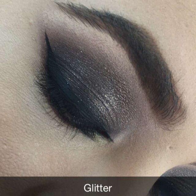 Brown glitter eyeshadow   #glitter #makeup #eyeliner #cateye #smokeeyes