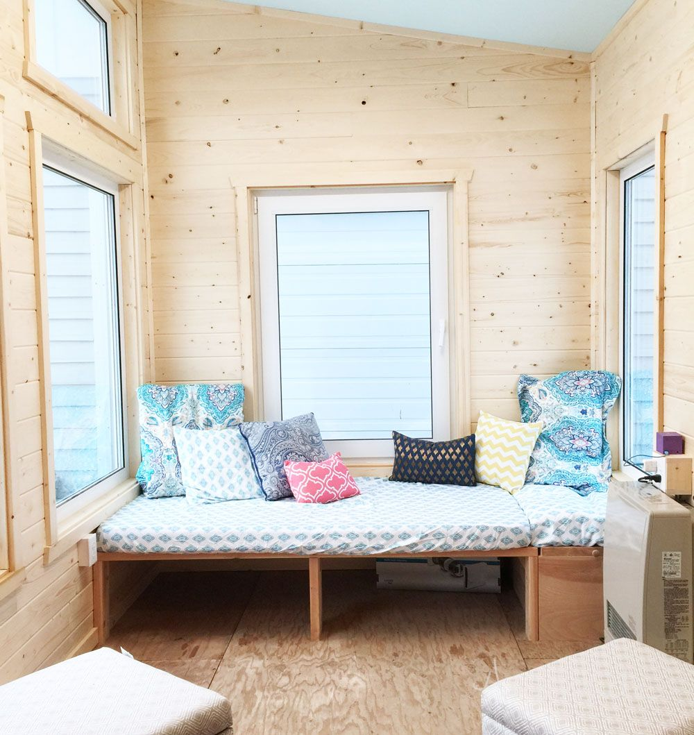 Diy Daybed For Tiny House Seating And Extra Sleeping Diy Daybed