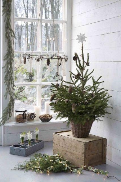 76 Inspiring Scandinavian Christmas Decorating Ideas Digsdigs Scandinavian Christmas Decorations Christmas Entry Scandinavian Christmas
