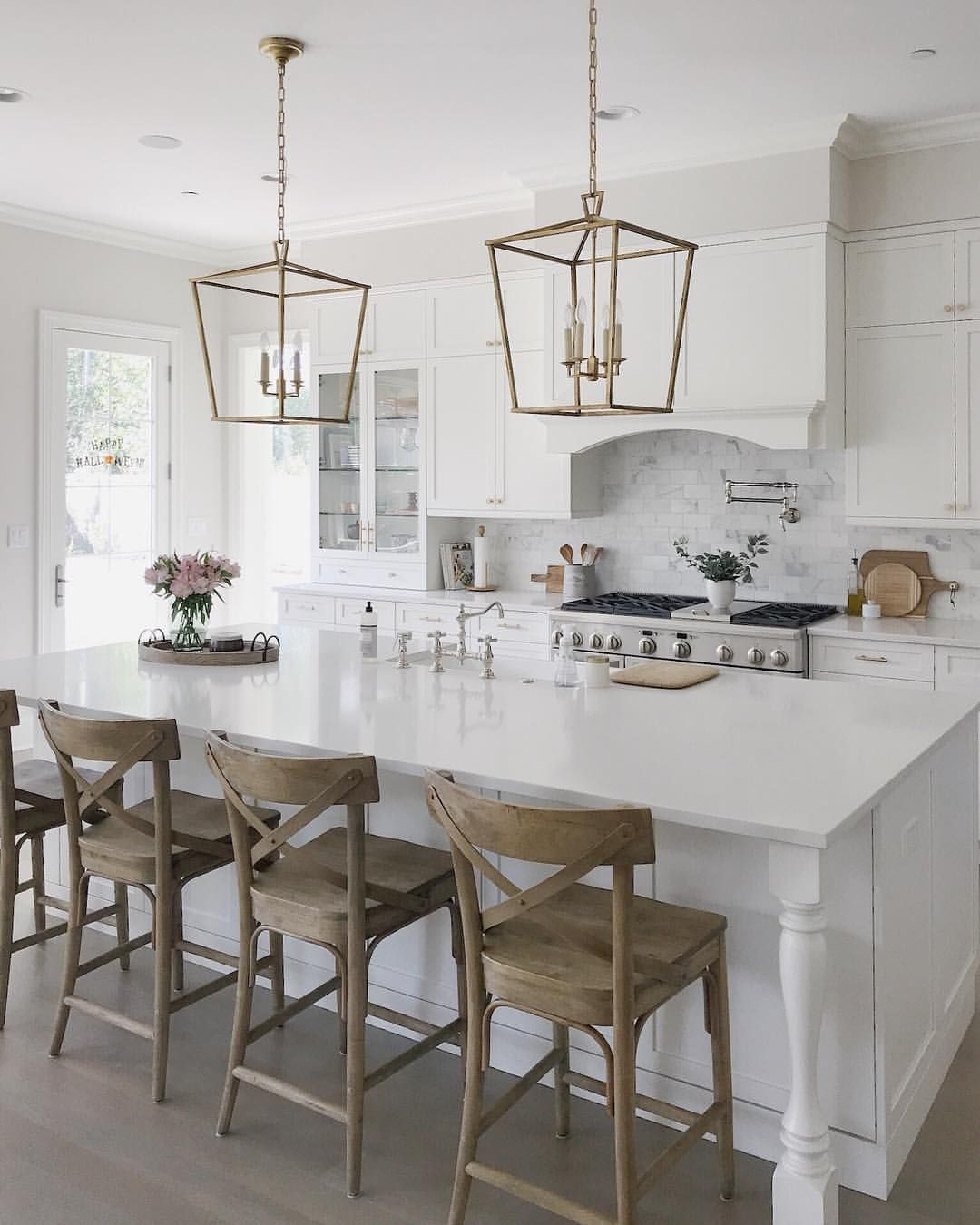 Pin by Kristie Rainey on DH - Dining | Farmhouse kitchen ...