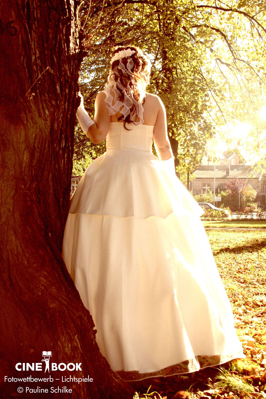 """""""Braut im endlosen Sonnenschein""""  © Pauline Schilke"""