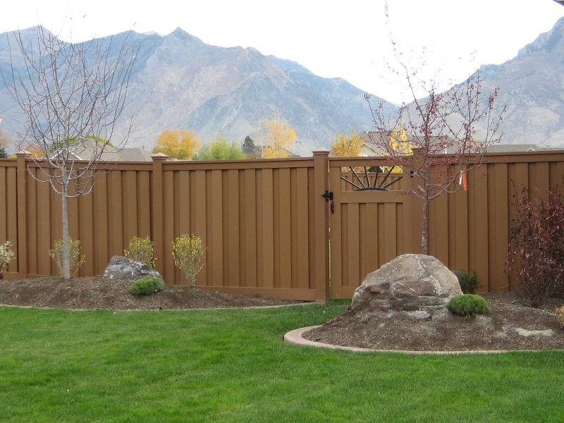 Custom Gate Made From Trex Composite Fencing Composite Fencing Fences Alternative Trex Fencing