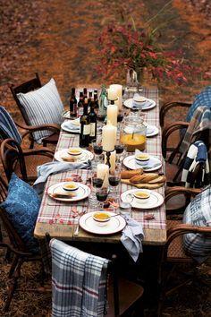 A table setting perfect for fall! Explore the classic Lexington Company mugs, platters, napkins and napkin rings.