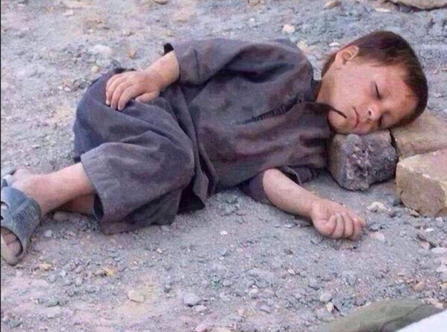 Kid refugee #Kobane