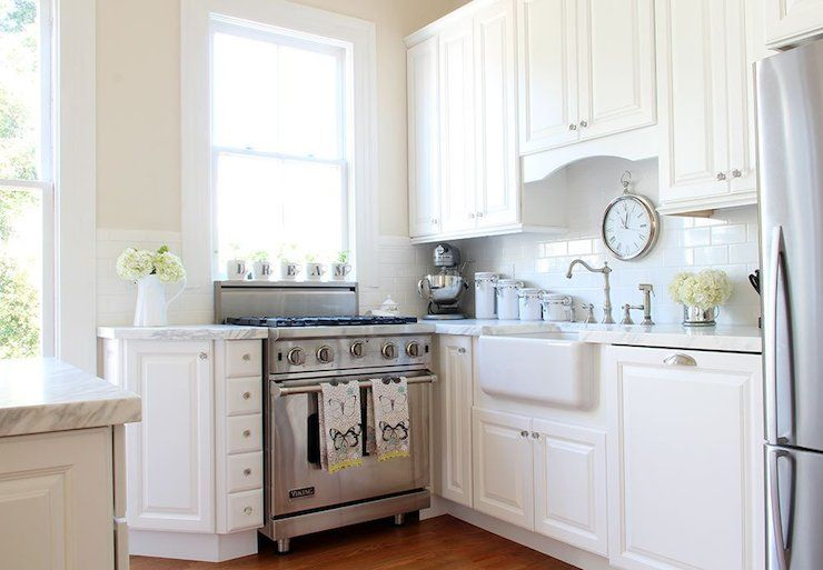 Paint Valspar Cream In My Coffee With Images Cottage Kitchens Cottage Kitchen Bright Kitchens