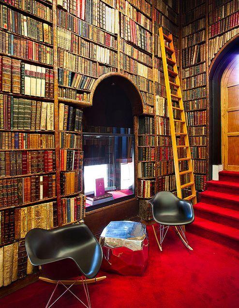Wicked naughty diva bluepueblo antique book store - Libreria bardon madrid ...
