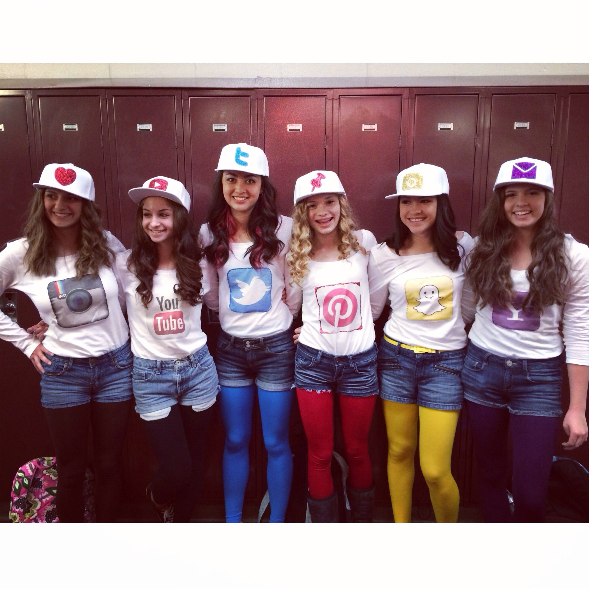 social media halloween costume love to do this with my best friends what a great - Halloween Social Ideas