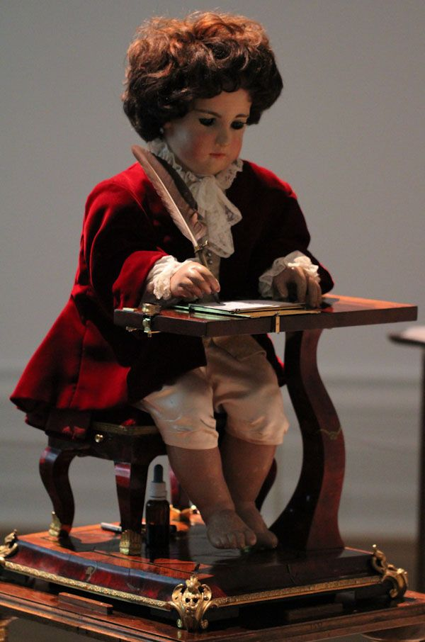 Jaquet Droz The Writer Automata: Awesome Antique Android   jaquet droz
