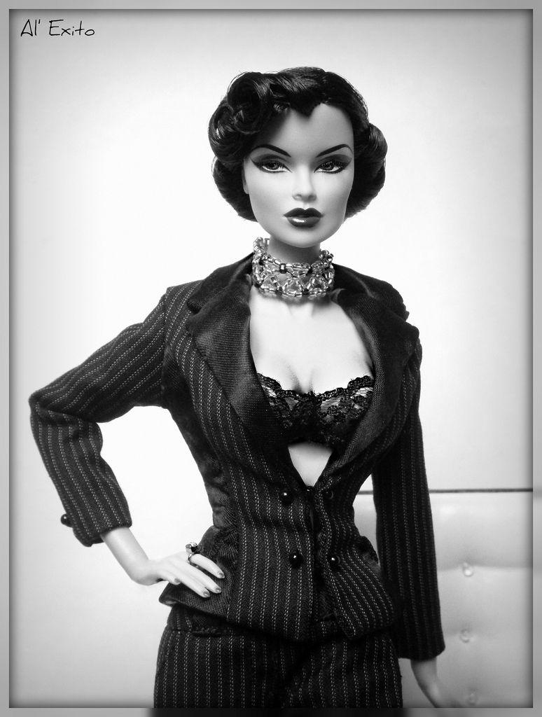 Fashionable Life Raven