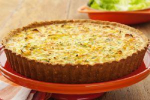 Biscoito cream cracker é a base deste quiche de legumes