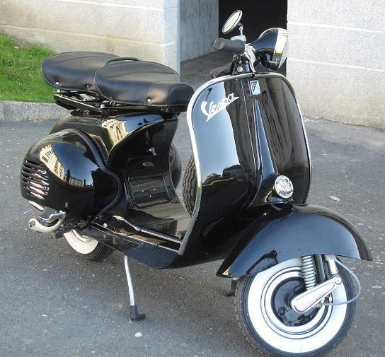 je vends ou change une vespa acma 1957 en parfait tat avec carte grise 3 500 euro ou change. Black Bedroom Furniture Sets. Home Design Ideas