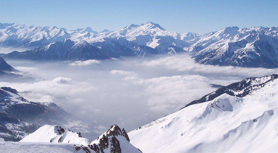 Sube a 7 el número de muertos por avalancha en Alpes franceses