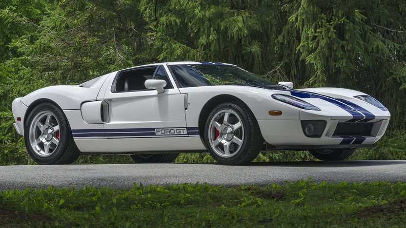 2005 Ford GT - 12