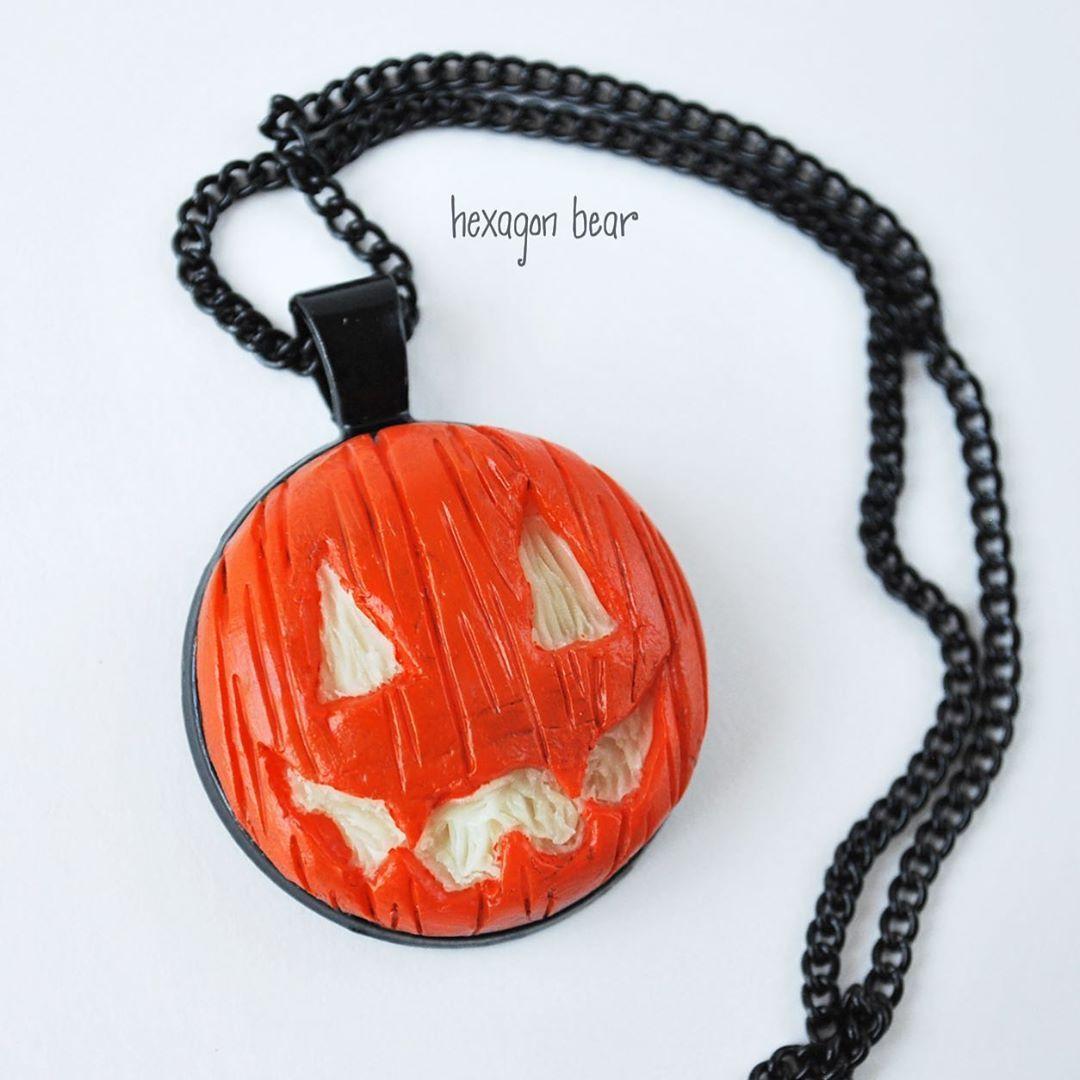 Jack O/' Lantern Necklace ~ Glow In The Dark