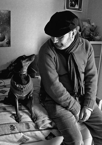 """""""El perro es el único ser vivo que tiene un objetivo obsesivo en su vida: entregarse incondicionalmente."""""""