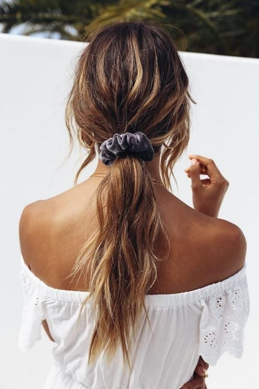 17 Cute and Simple Hairstyles For Teen Girls
