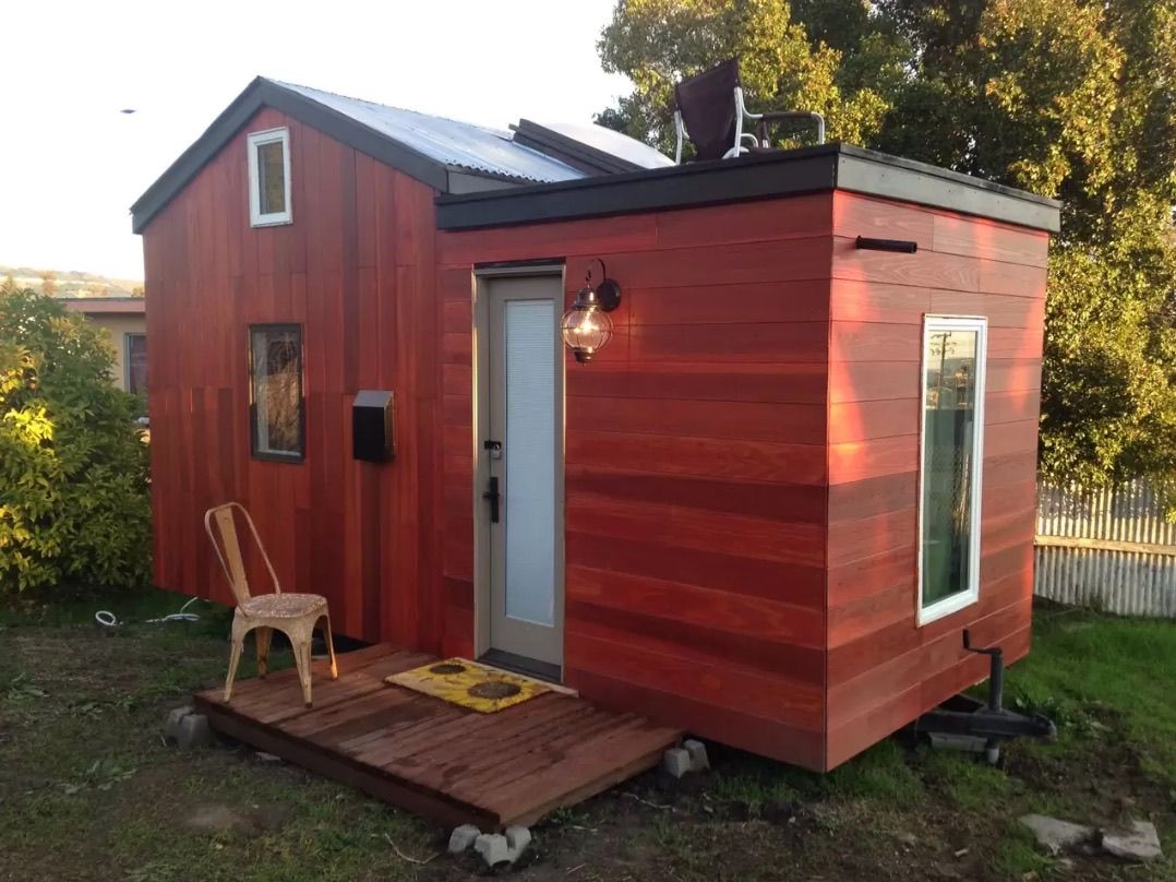Modern Tiny House On Wheels In Oakland California Tiny House Rentals Best Tiny House Small House