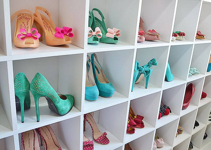 Heel display with girly shoes // 40 ways to organize your shoes // storage solutions for small homes // maximize storage // closet organizing // www.simplyspaced.com