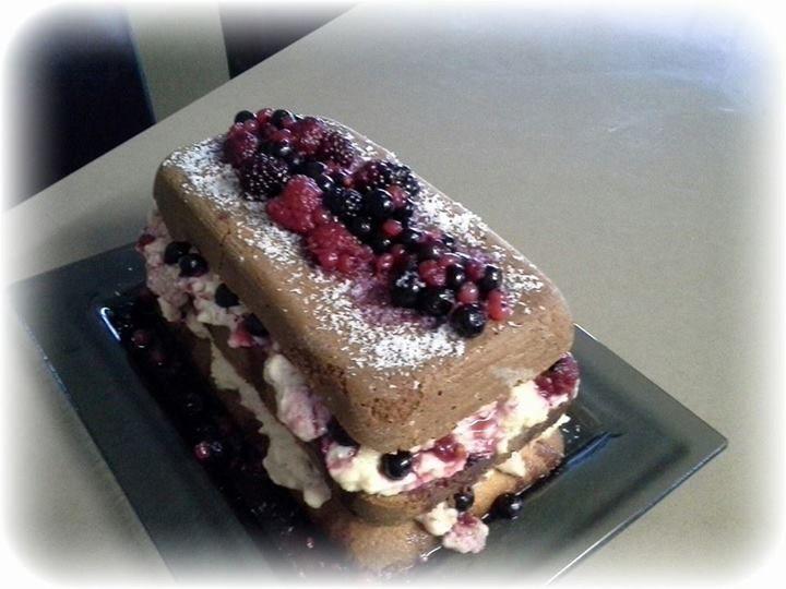 Naked cake em formato retangular. Nhami!