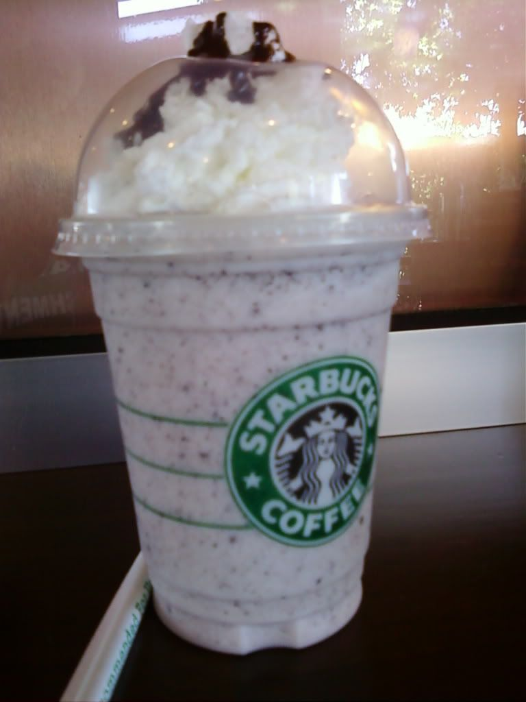 Cookies and Creme Frappuccino Description: Vanilla frappuccino ...