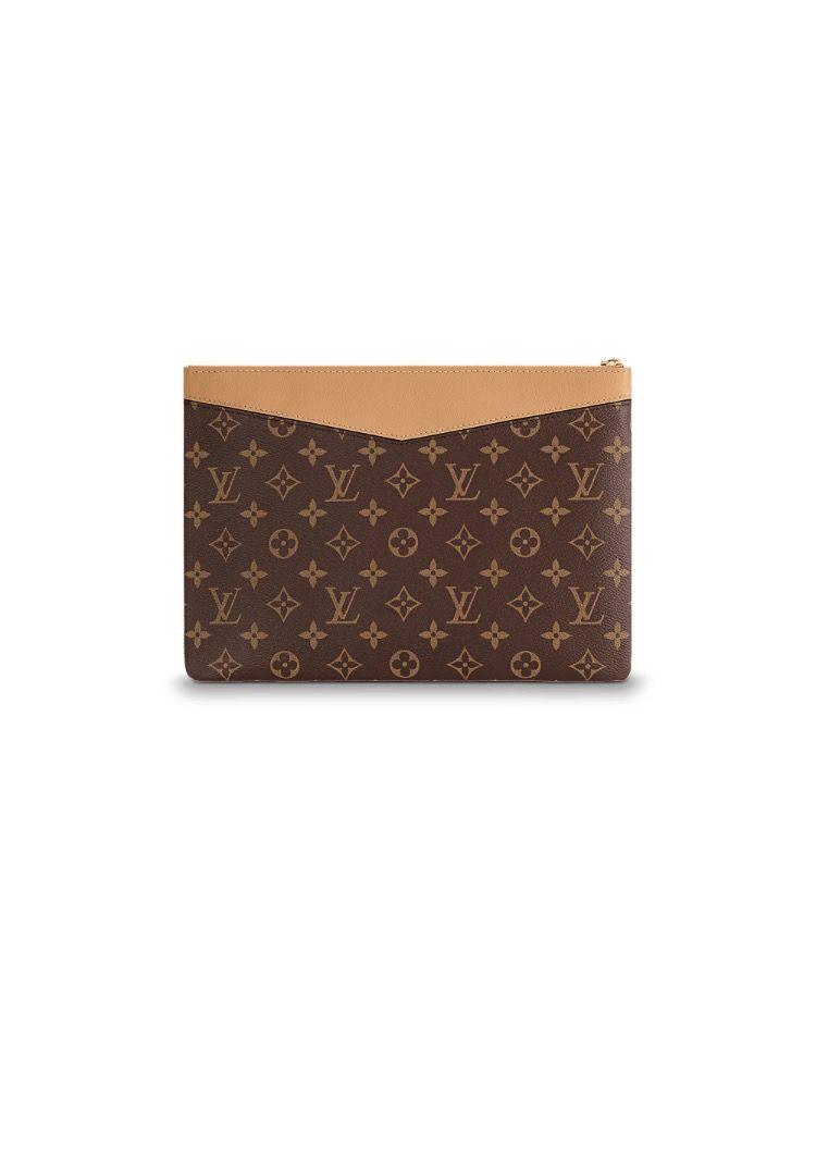 acf6a9fc04d Louis Vuitton daily pouch in monogram. $660 | purses | Louis vuitton ...