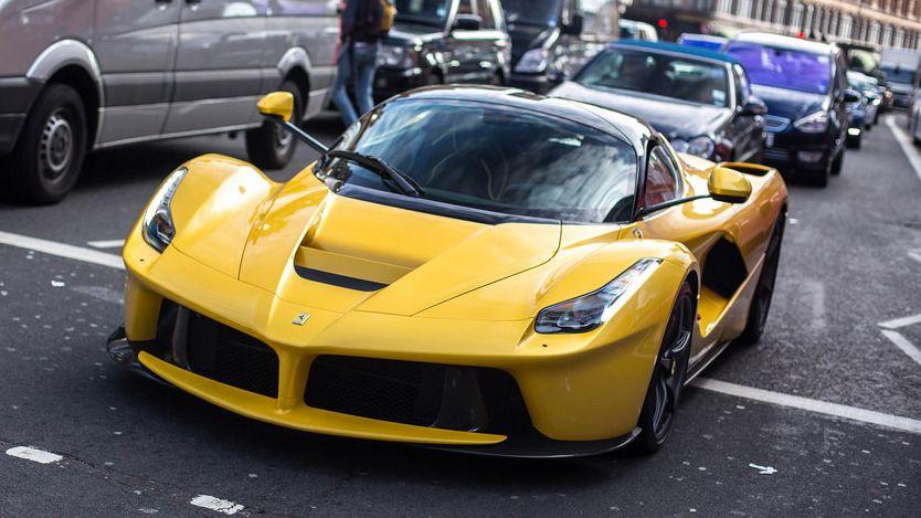 La Star Des Ferrari Pour La Star Du Paris Saint Germain Sports Cars Luxury Ferrari Ferrari Laferrari