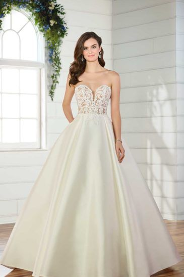 aa1f2ab41f04 Discount Wedding Dresses | Designer Wedding Dresses | VOWS | Dreams ...