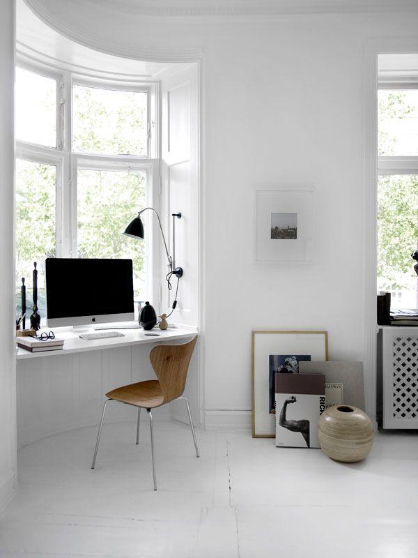 bay window desk home office modern. 15 Modern Home Office Designs Enhanced With Space Saving Storage Ideas. Bay WindowWindow DeskWindow Window Desk G